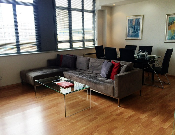 72 hours in London- Smart City Apartment City Road Living Room