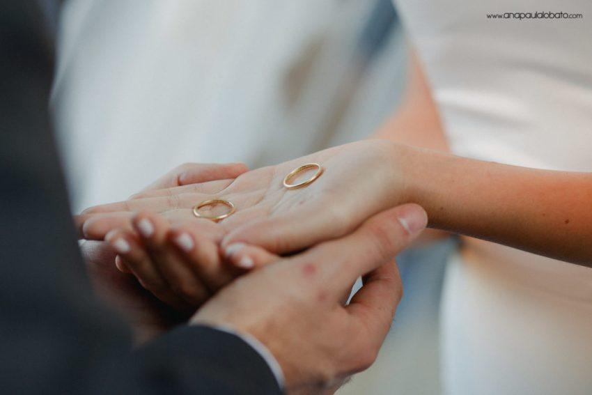 alianças delicadas de casamento