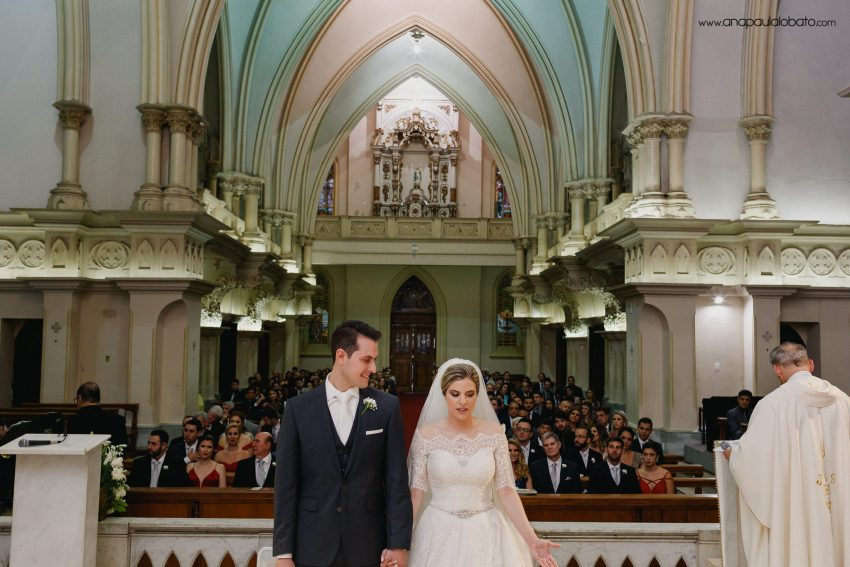 noivos altar igreja lourdes