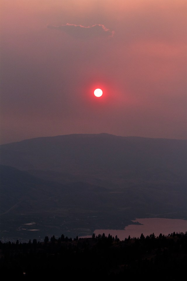 smokey_sunset_over_osoyoos