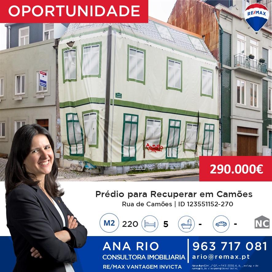 ID270 Prédio para Recuperar em Camões
