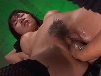 おまんこと肛門に異物挿入され更にフィストファックされる巨乳ギャルのアナルシア