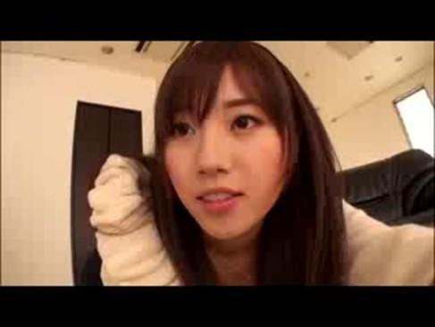 人気AV女優の長澤あずさが中継されながらアナルを拡張されちゃってるあなル動画日本人