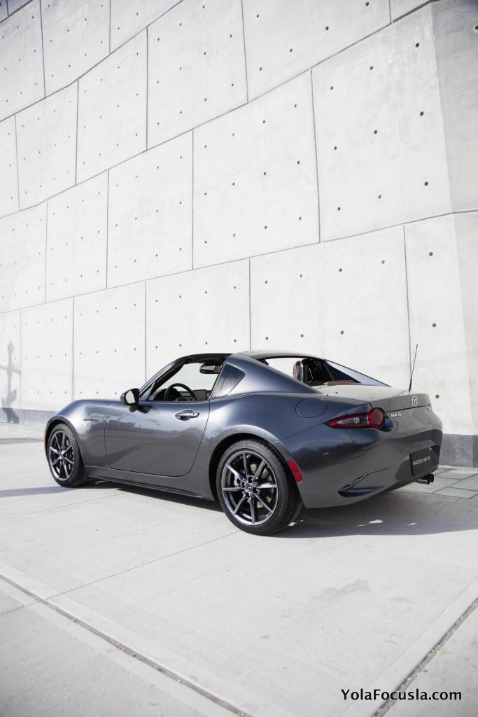 Mazda_MX-5RF_static_5