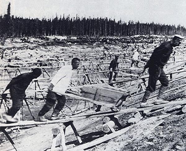 Строительство канала Москва-Волга