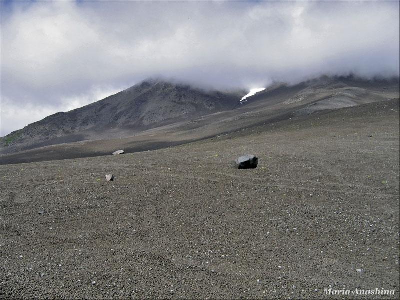 Камни на склоне Козельской сопки, Камчатка
