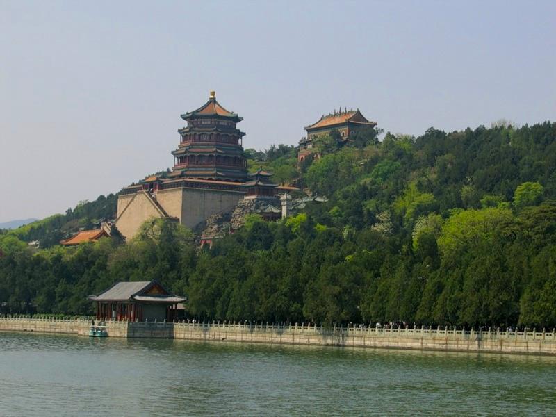 Гора Долголетия (Ваньшоушань) в парке Ихэюань, Пекин