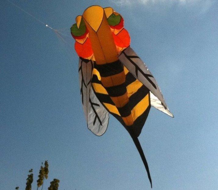 Cara membuat Layang-layang hias lebah