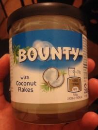 """Conhece o """"Bounty"""", aquele chocolate que dá um pau no """"Prestígio""""? ..."""
