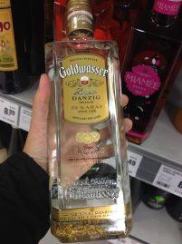 Vodka, né? Olha o fundo...