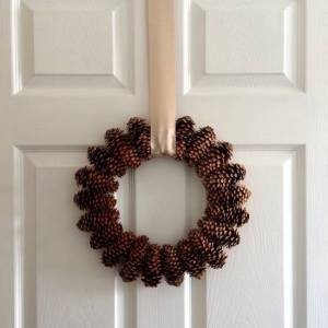 Simple and Lovely Pinecone Wreath