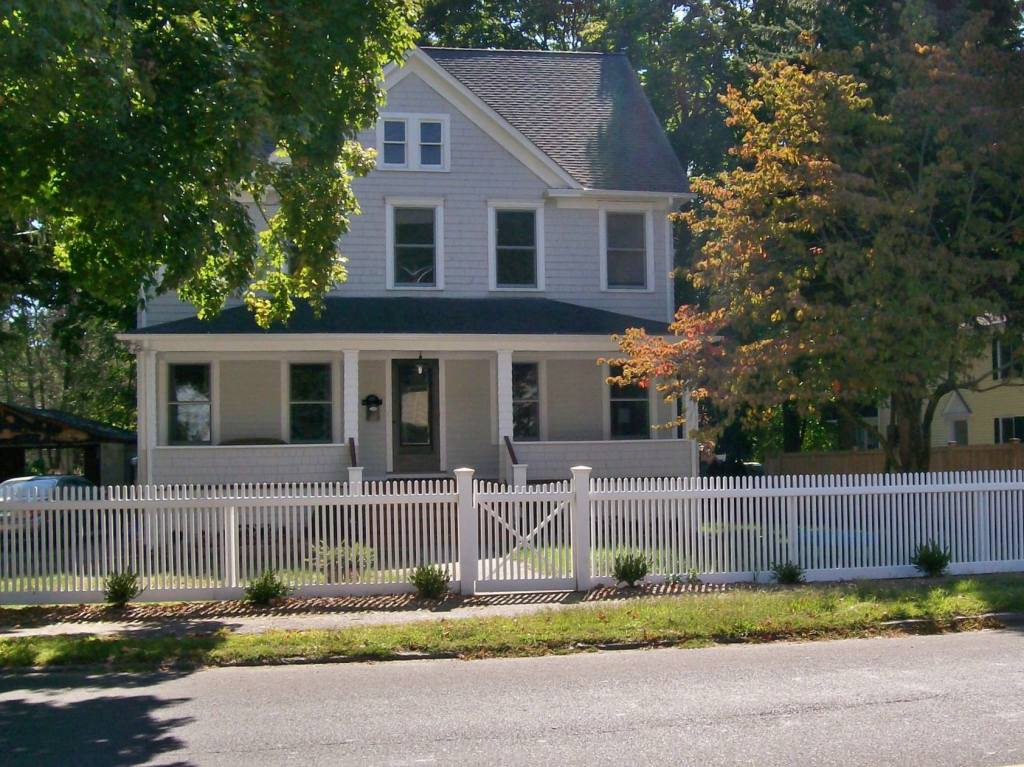 Picket Fences 11