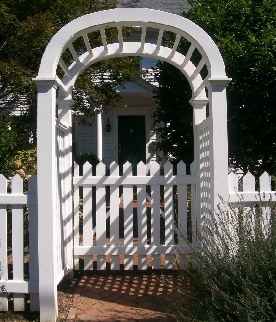 Picket Fences 12