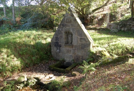 fontaine-de-saint-gildas-holy-well-or-sacred-spring-in-france