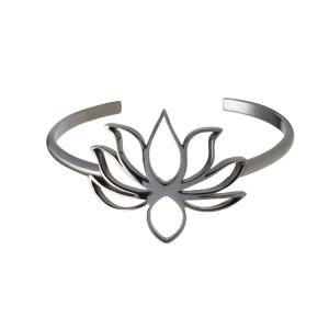 366e8da0c7bbd Bracelete Flor de Lótus em prata com banho de ródio negro