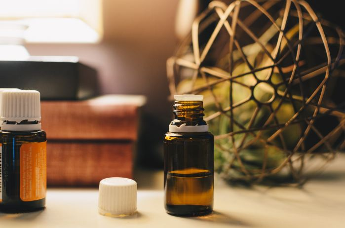 Essential oils for antibacterial
