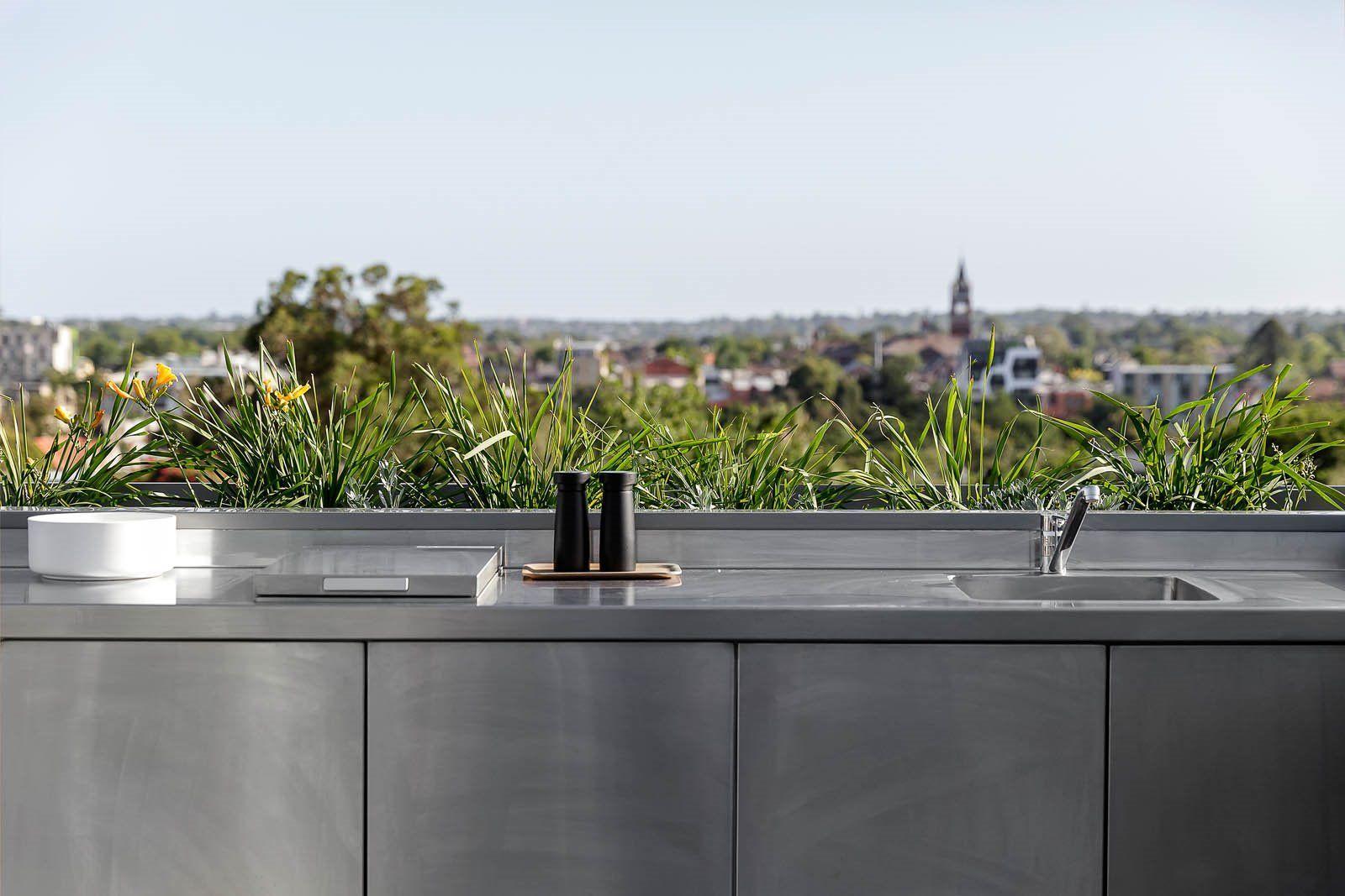 Terraza con vistas al horizonte de Melburne, zona de barbacoa