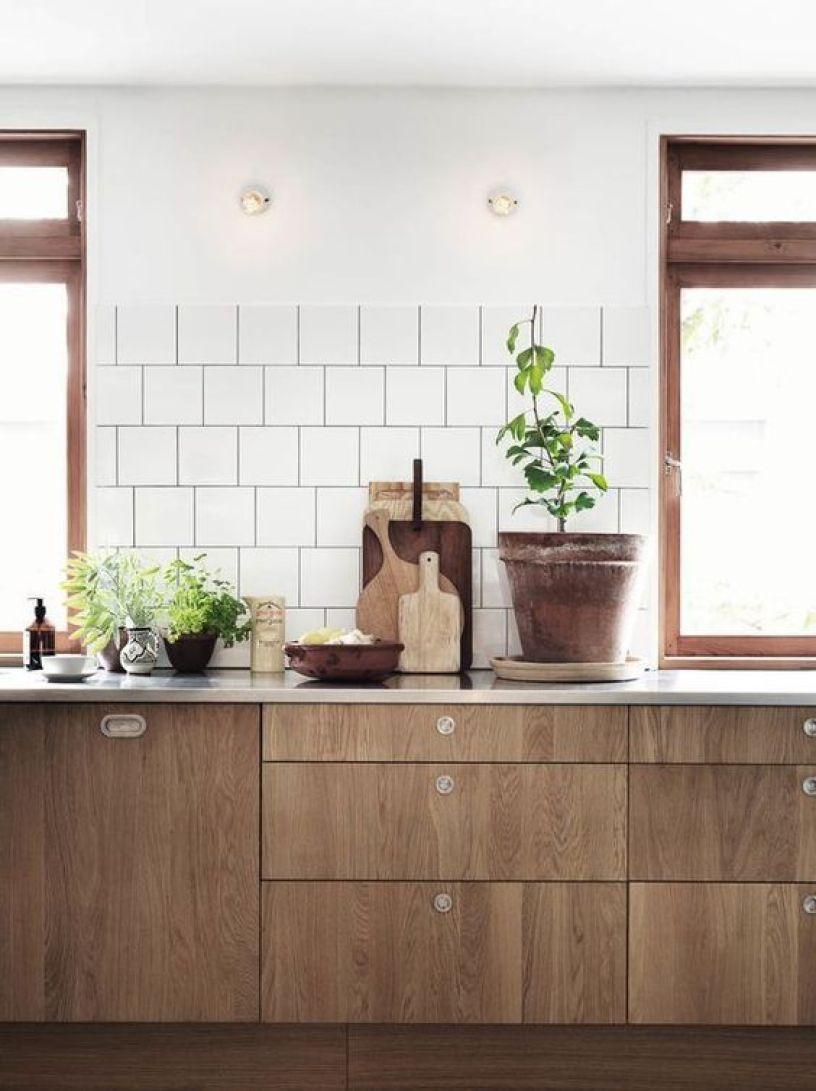 Cocina de madera de estilo mid century moderno
