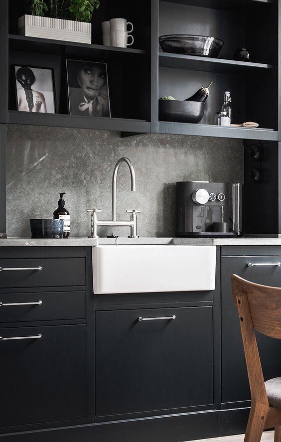 Cocina de estilo nórdico de color negro