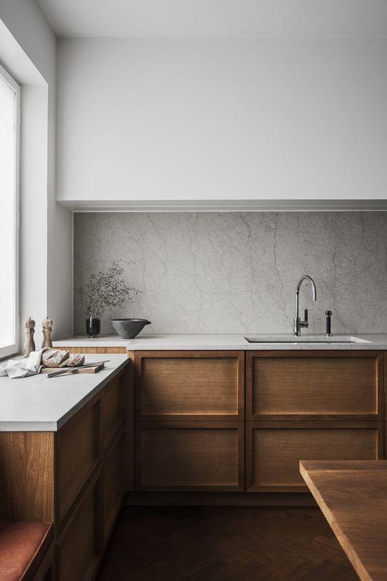Cocina minimalista en madera y mármol, 7 errores que te separan de tu cocina perfecta