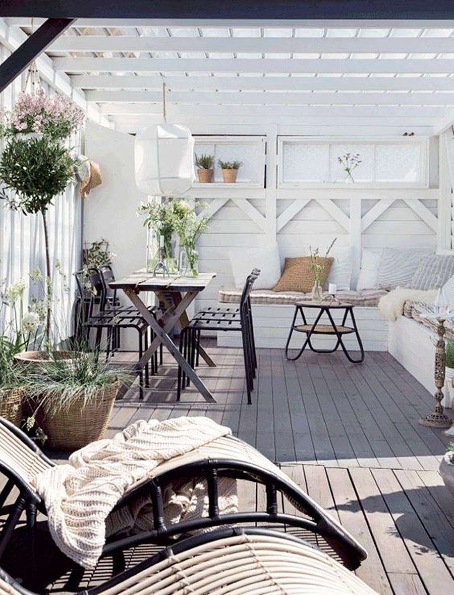 Consejos para decorar tu terraza en verano por Ana Utrilla
