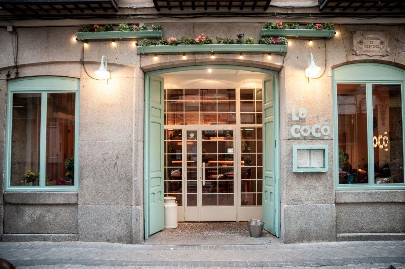 Fachada del resto bar La Cocó en Madrid, de estilo shabby Chic