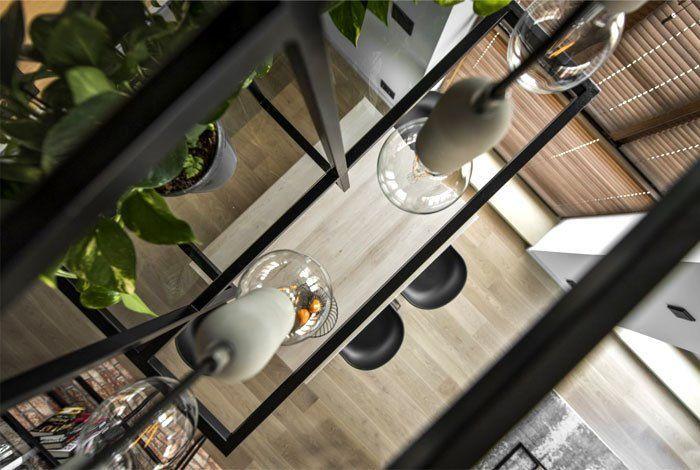 Diseño de interiores de apartamento de estilo industrial masculino