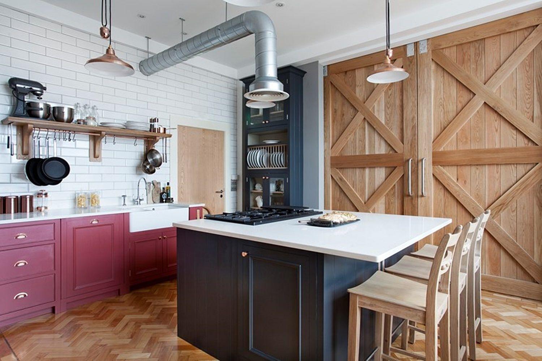 Cocina de estilo industrial y shaker en madera