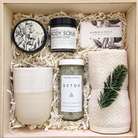 Regalo diy caja Hygge personalizada para regalar bienestar en casa @Utrillanais