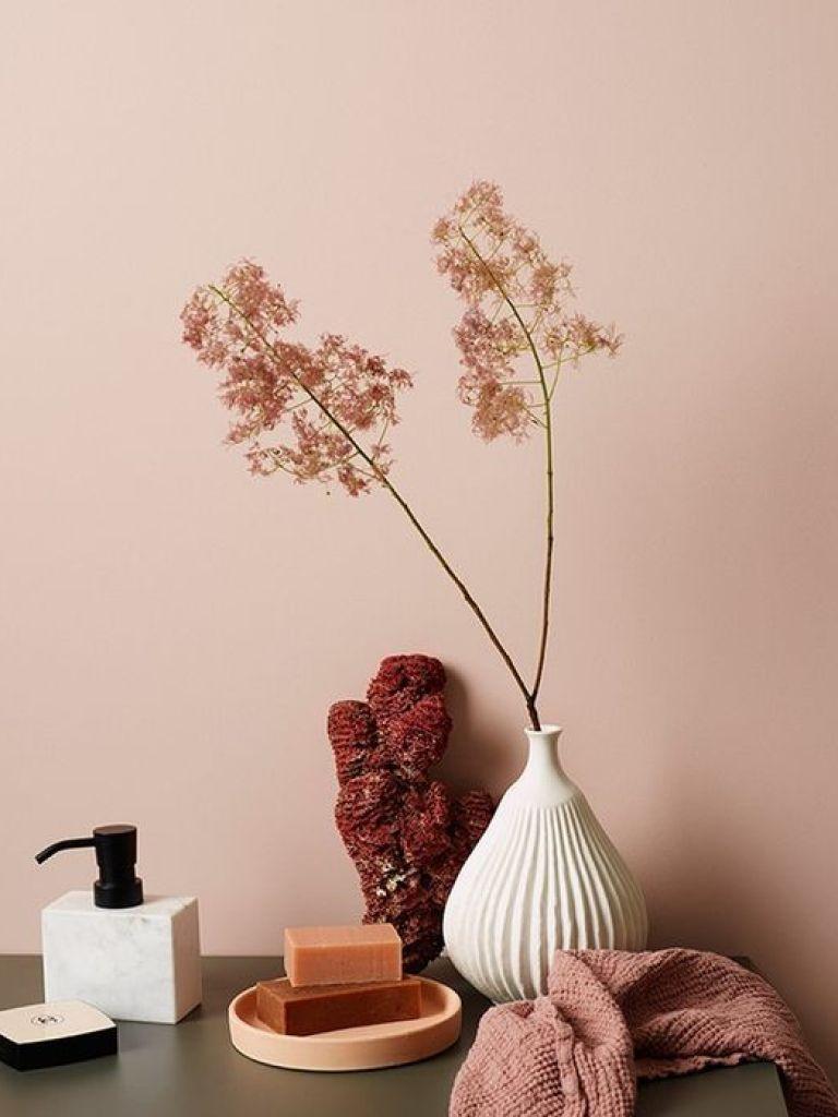 Colores cálidos en tendencia como el óxido o el rosa palo