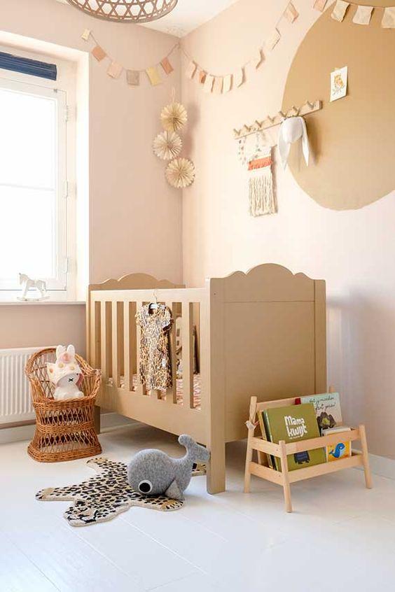 Tendencia de colores spiced honey también para habitación de bebé