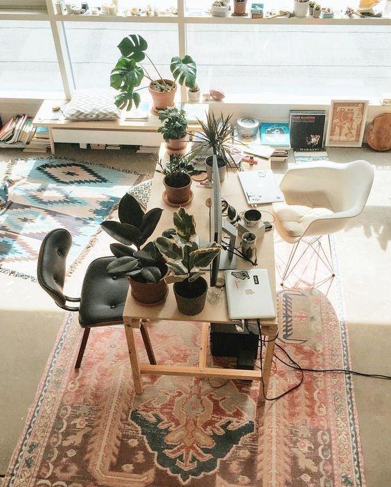 Espacio de trabajo en casa, de estilo boho del desierto @Utrillanais
