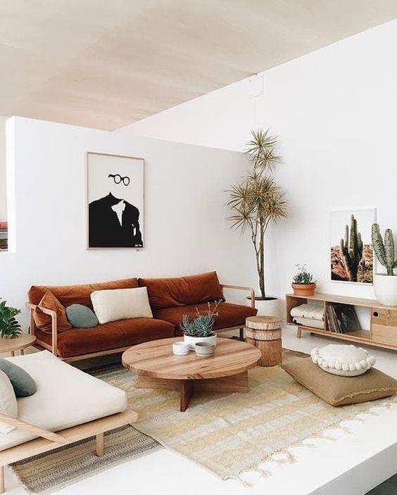 Decoración de interiores de un salón comedor de estilo nuevo boho del desierto en tonos neutros y tostados @Utrillanais