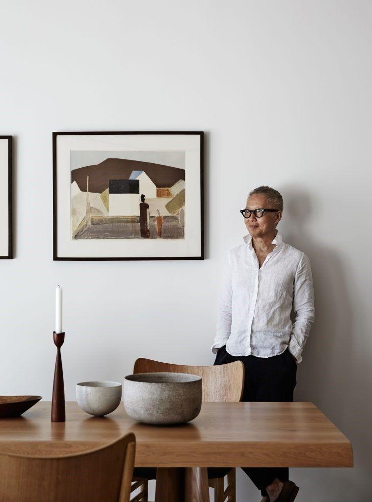 Estilo Kinfolk decoración de interiores en tendencia, comedor en tonos neutros y madera cálida @Utrillanais