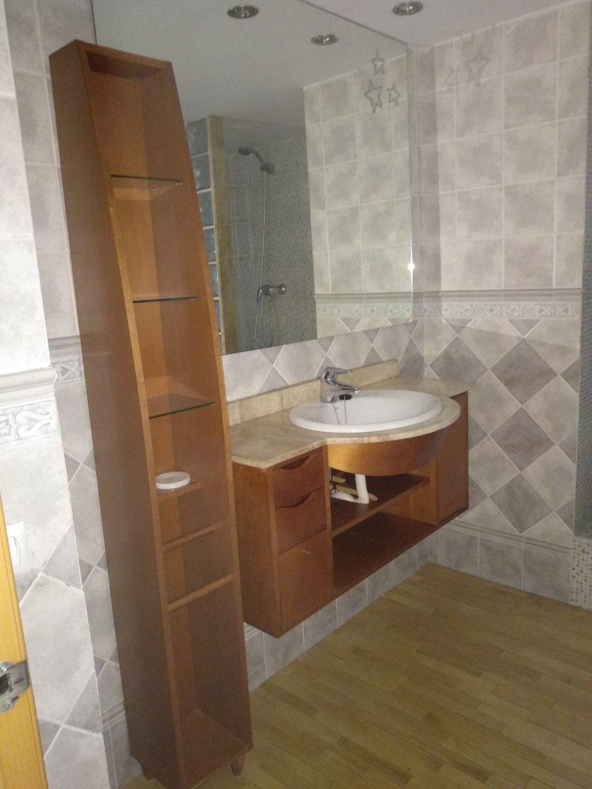 Estado inicial. Antes del proyecto de interiorismo residencial 2D de para baños y cocina en Barcelona de estilo wellnes y nórdico-rustico, @Utrillanais