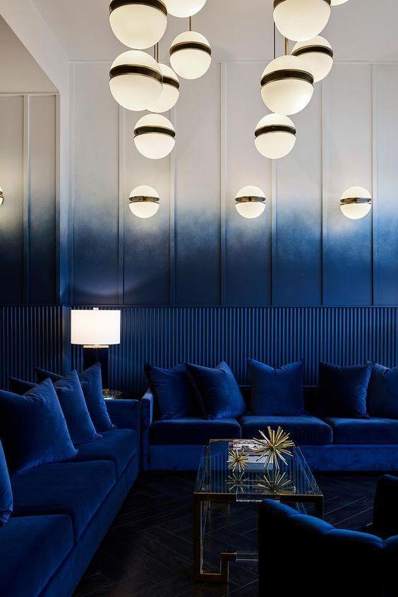 Cómo utilizar el color azul clásico Pantone 2020, ejemplo e inspiración restaurante de estilo moderno Art Decó, en tonos degradados azules @Utrillanais