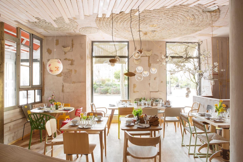 Restaurante Mama Campo, realizado por Qatay arquitectura, utilizando revestiemientos sostenibles, interiorismo comercial #slowlife #slowinteriordesign #anautrillainteriorismo @utrillanais