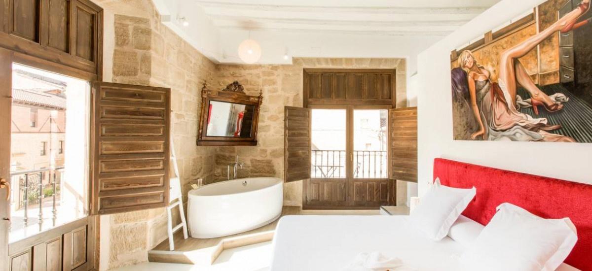 Habitación del hotel Teatrisso, interiorismo cuidado al detalle, alojamiento rural con encanto