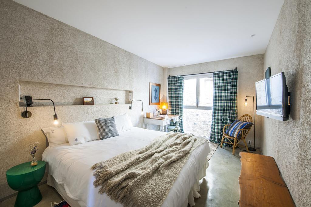 Habitación hotel kook, alojamiento con encanto, ejemplo contrario de los errores interiorismo alojamiento rural