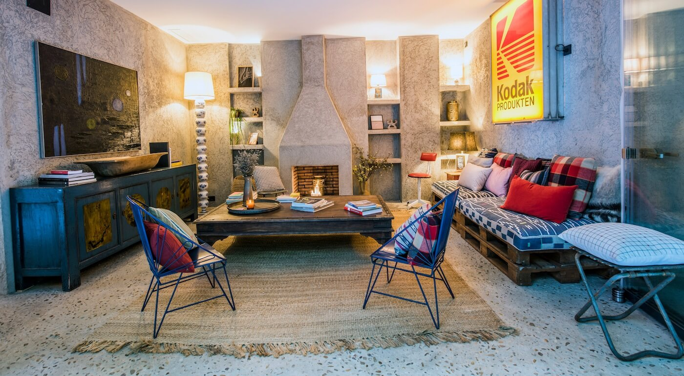Zona de estar del hotel Kook en Tarifa
