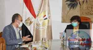 وزيرة الثقافة تتابع استعدادات إطلاق المنصة الرقمية لمعرض القاهرة الدولي للكتاب فى دورته 52