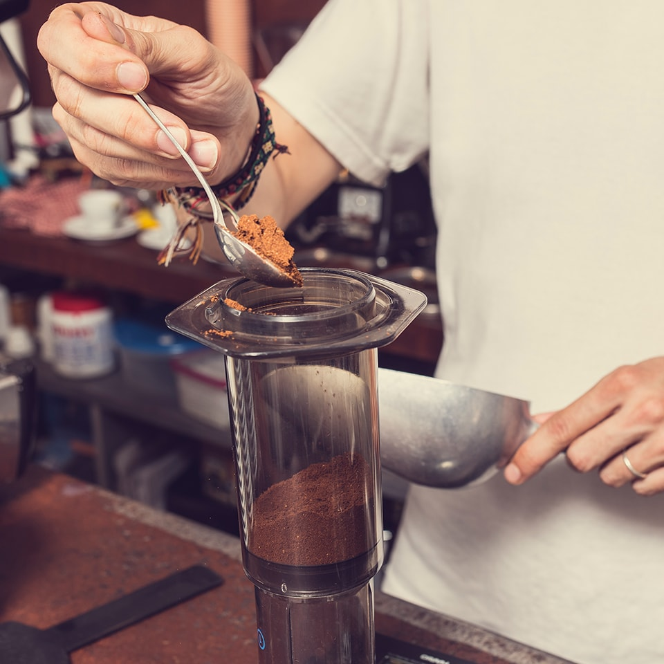 Anbassa-artisan-torrefacteur-preparer-son-cafe-aeropress-slide-7-1