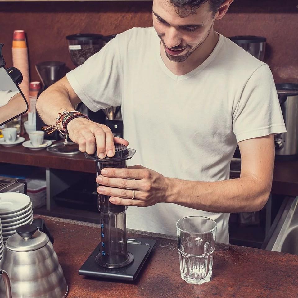 Anbassa-artisan-torrefacteur-preparer-son-cafe-aeropress-slide-7-4