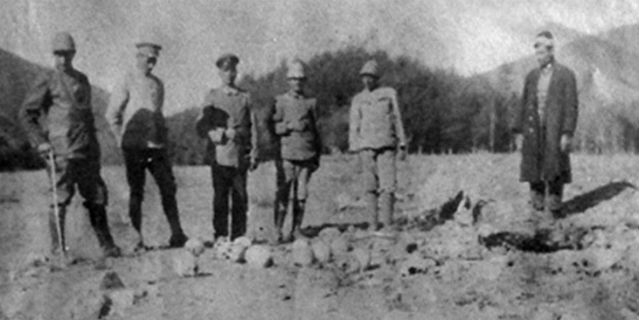 Photograph links Germans to 1915 Armenian genocide