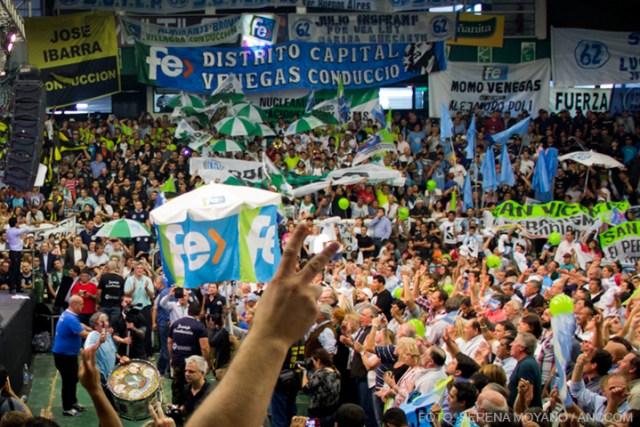 La convocatoria de Venegas y Macri fue una de las seis que hubo el 1º de Mayo para conmemorar el Día del Trabajador, a la cual asistieron cerca de cinco mil personas.