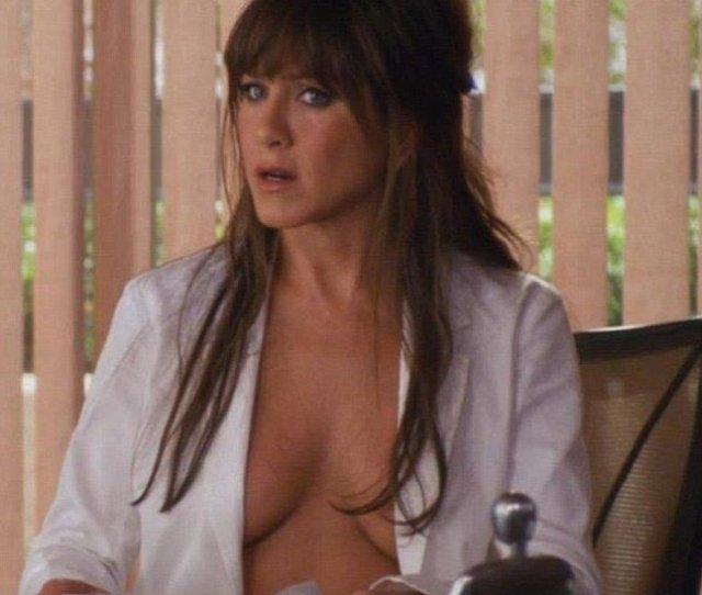 Aniston Topless Movie Scene Jennifer