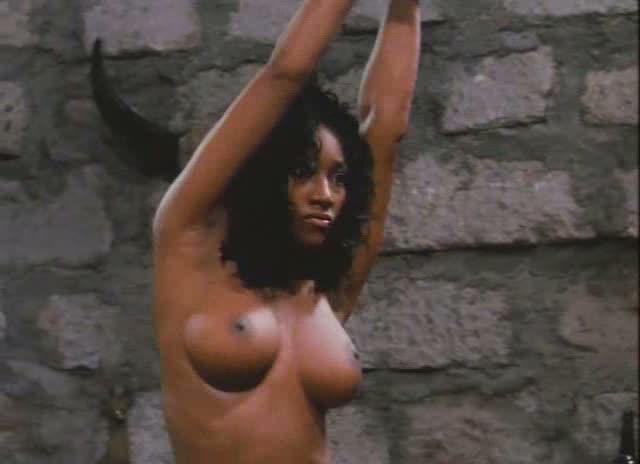 nackt Orive Pilar Caged