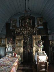 Interior vechea biserică