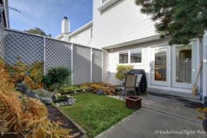 Your Private Fenced Courtyard