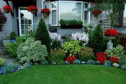 Amazing Front Yard Design Ideas that Makes You Never Want to Leave 07